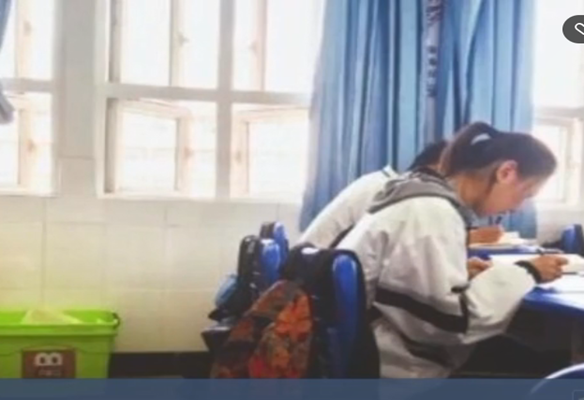 武汉 学生回收作业废纸 换回1万元用作公益