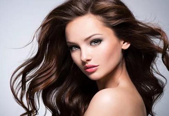 女性大量脱发的原因是什么?4种食物能预防