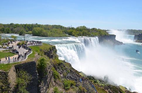 世界级的大瀑布尼亚加拉,最佳景观在加拿大境内,美国人民很绝望