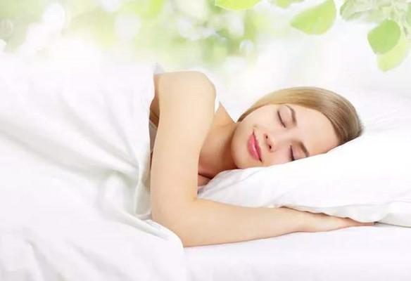 中老年人夏季如何保养 饮食睡眠都要注意
