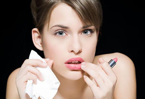 女人30岁后脸上出现这4种变化,说明你在慢慢变丑了!