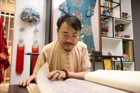 王胜红:创新,让传统戏剧服装制作焕发新生