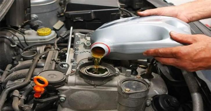 汽车保养时这个油瓶子一定要注意,否则保养后油耗会莫名其妙的升